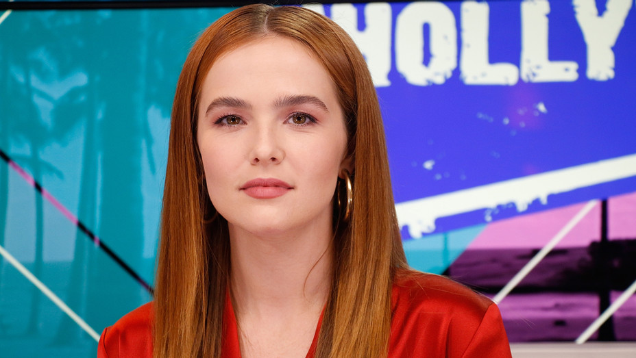 Zoey Deutch visits the Young Hollywood Studio - Getty - H 2018