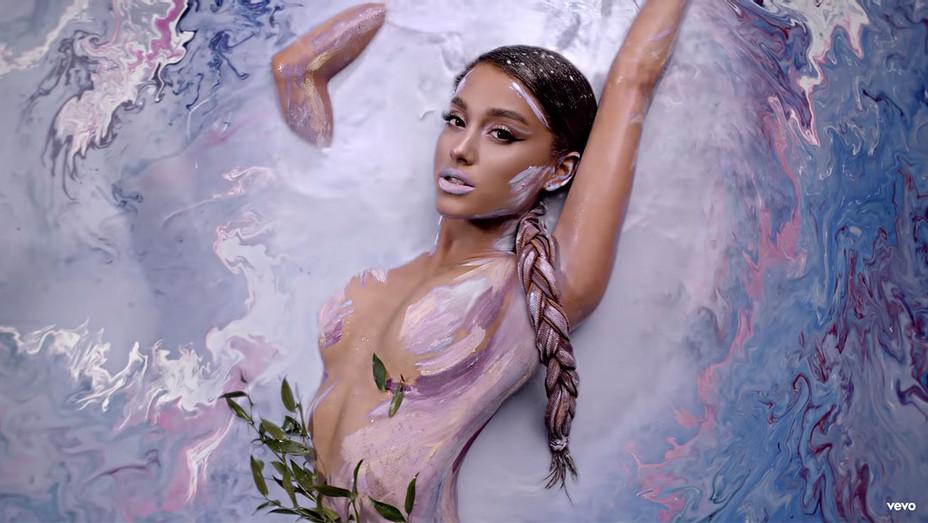 Ariana Grande - God is a woman - Screen Shot-H 2018
