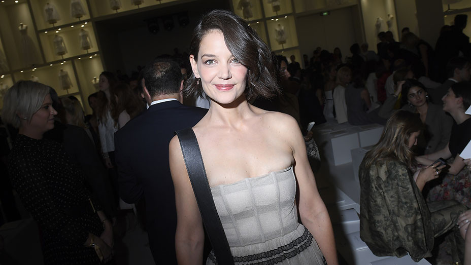 Katie Holmes_Christian Dior_Front Row_embed - Getty - EMBED 2018