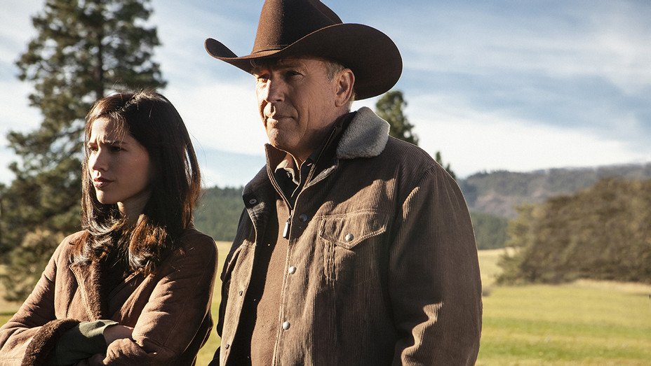 Yellowstone Kevin Costner Kelsey Asbille - Publicity - H 2018