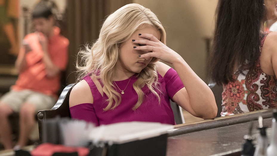 YOUNG and HUNGRY EMILY OSMENT Upset - Publicity - H 2018