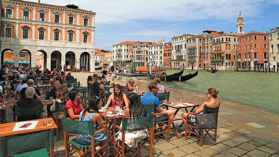 Restaurant Naranzaria near Rialto Bridge, Venice -Alamy Stock Photo- ONE TIME USE ONLY- H 2018