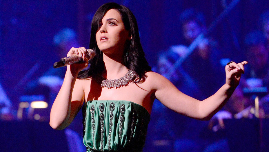 Katy Perry performs - benefit - The Painted Turtle Camp - Getty-H 2018