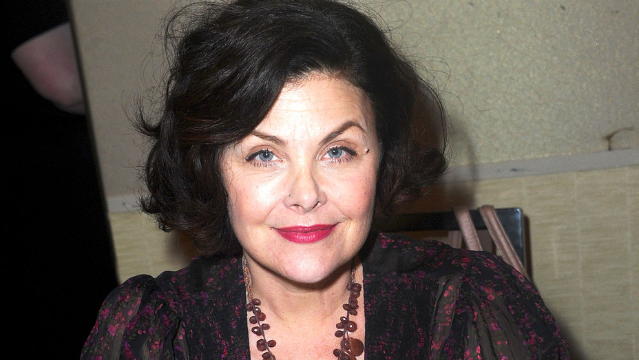 Sherilyn Fenn at The Hollywood Show - Getty-H 2018