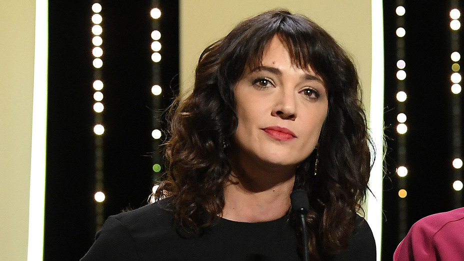 Asia Argento - on stage during the Closing Ceremony at the 71st annual Cannes Film Festival - Getty-H 2018
