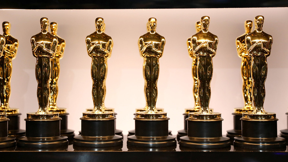 Oscar Statues - Getty - H 2018