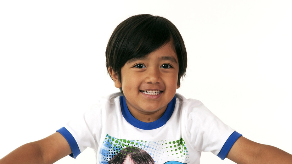 Ryan Toysreview - Publicity - H 2018