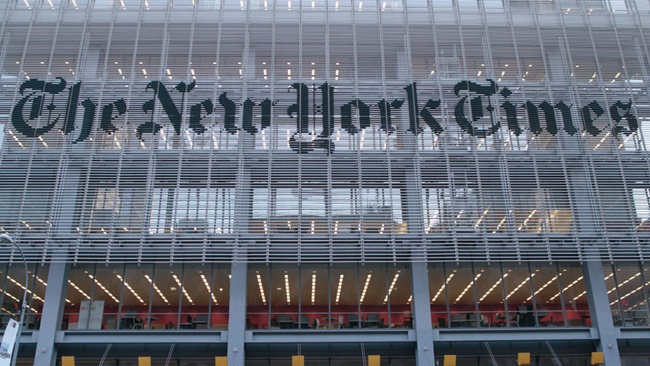 THE FOURTH ESTATE -(season 1, episode 04)- The New York Times NY Office Ext- SHOWTIME - PUBLICITY-EMBED 2018