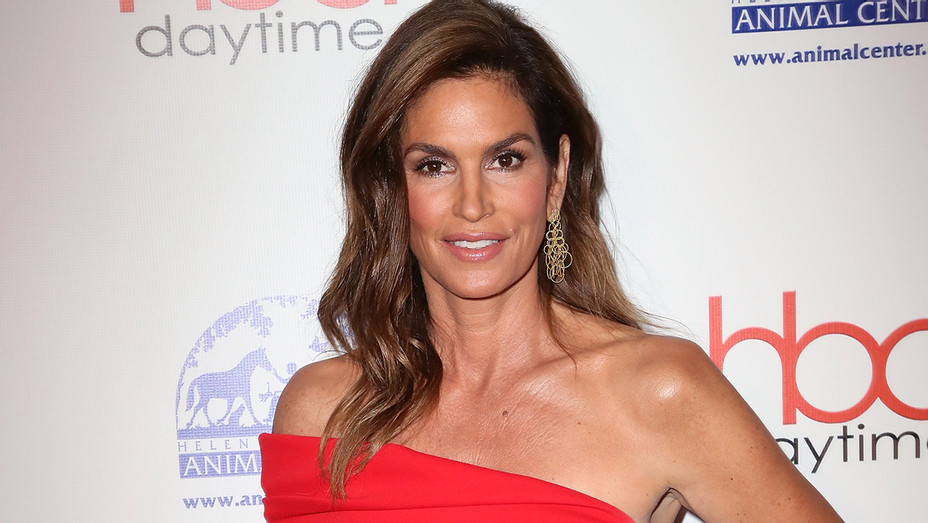 Cindy Crawford Daytime Hollywood Beauty Awards - Getty - H 2018
