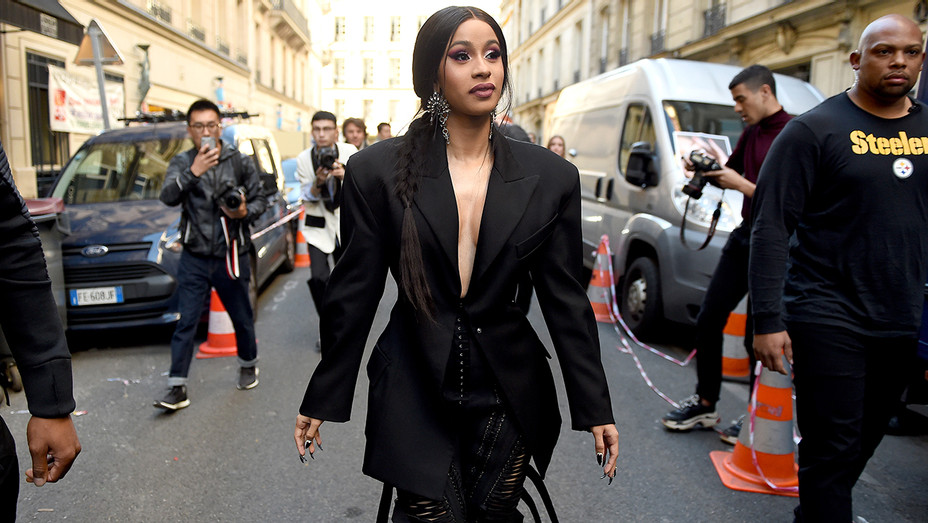 Cardi B Mugler Paris Fashion Week - Getty - H 2018