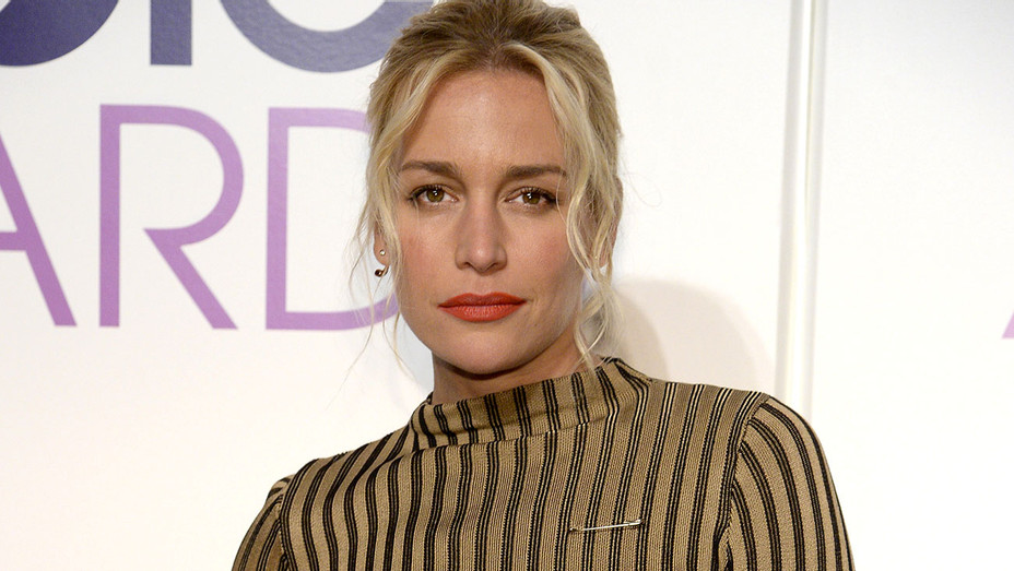 Piper Perabo attends the People's Choice Awards Nominations 2016 - Getty-H 2018