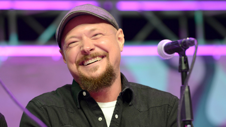 Sabrina The Teenage Witch Actor Reveals His Many Day Jobs In Support Of Geoffrey Owens Hollywood Reporter You will most probably recognise nate richert from his role as harvey kinkle in sabrina the teenage witch but what has he been up to since? sabrina the teenage witch actor