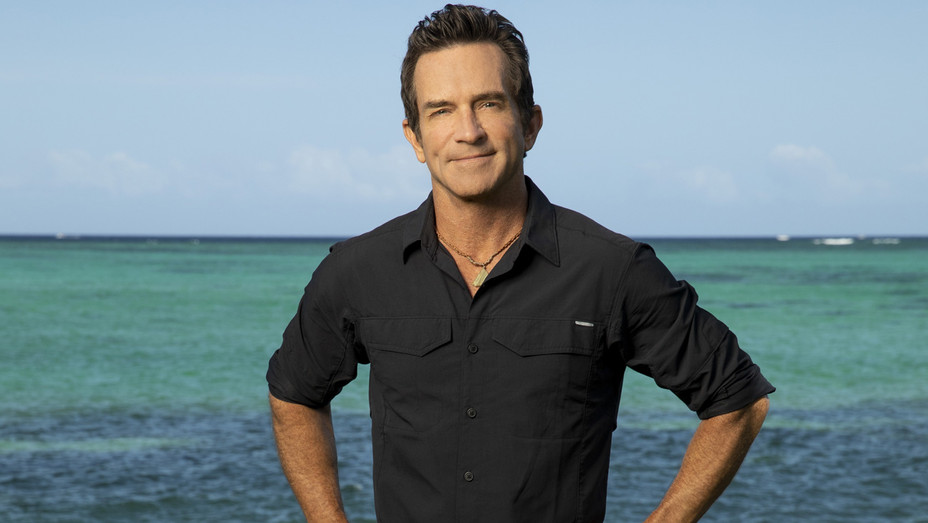 Survivor- David vs. Goliath - Jeff Probst 3 - Publicity - H 2018