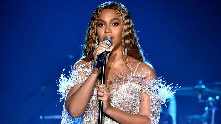 Beyonce performs- City of Hope Spirit of Life Gala 2018-Getty-H 2018
