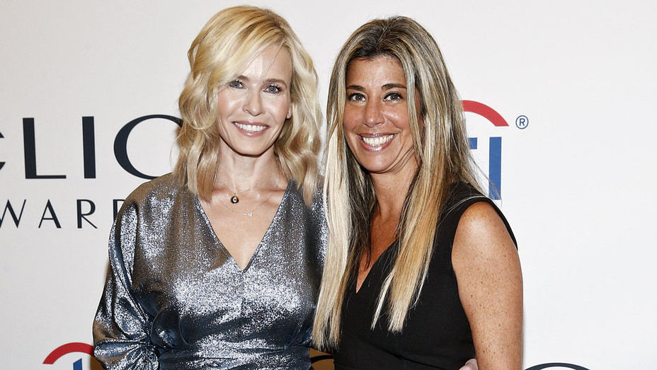 Chelsea Handler_Nicole Purcell - Getty - H 2018