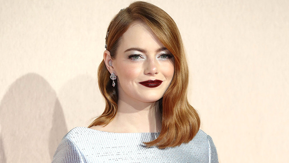 Emma Stone-Uk premiere of The Favourite-Getty-H 2018