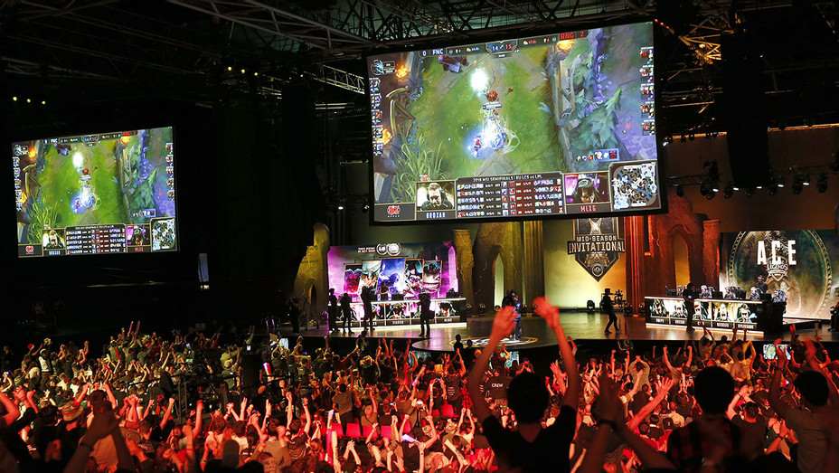 eSports_Arena_League of Legends - Getty - H 2018