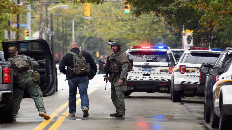 Shooter Opens Fire At Pittsburgh Synagogue - Getty - H 2018
