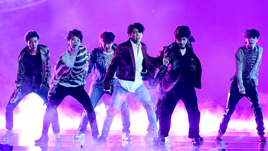 LAS VEGAS, NV - MAY 20: Music group BTS performs at the 2018 Billboard Music Awards-Getty-H 2018