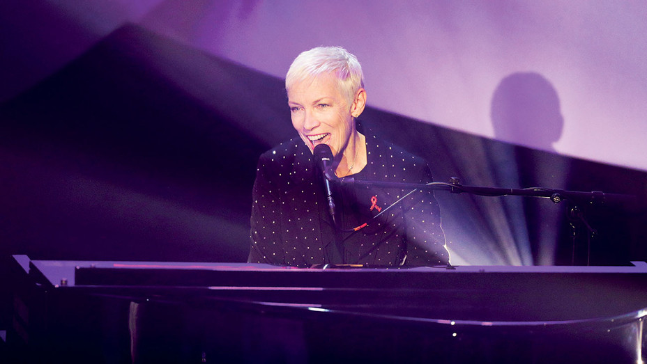 Annie Lennox performs on stage during the German Sustainability Award - Getty -H 2018