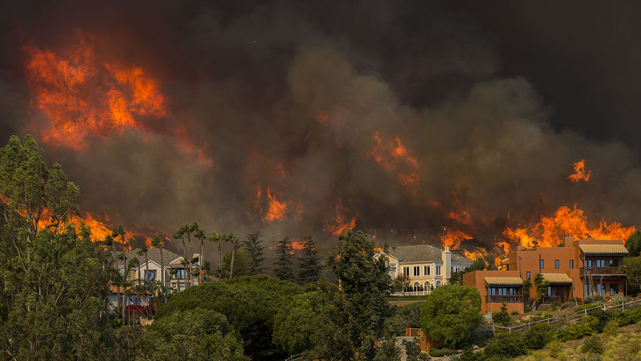 Malibu-California-Woolsey Fire-2-Getty-H 2018