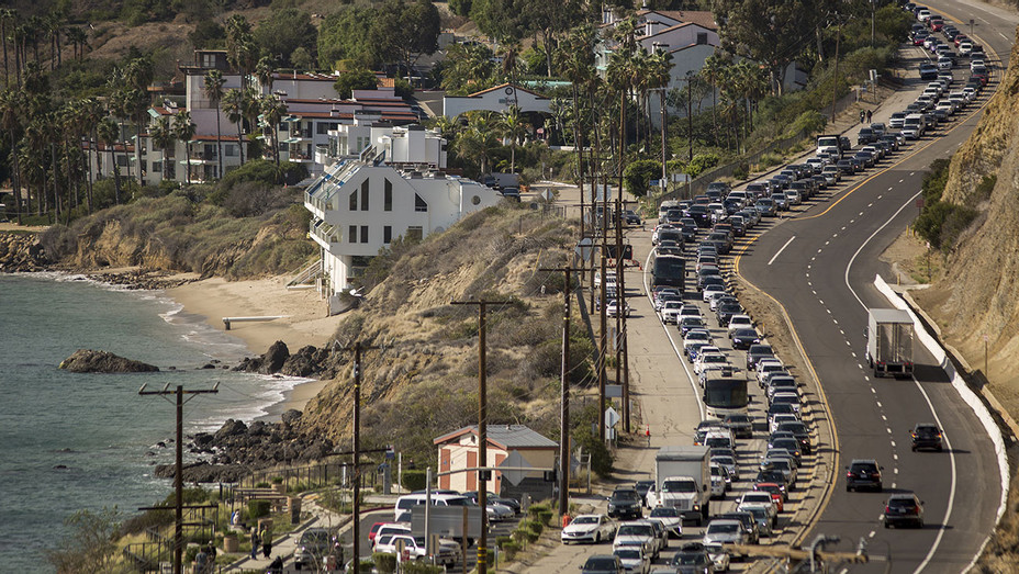 Malibu Evacuation-Highway-Getty-H 2018
