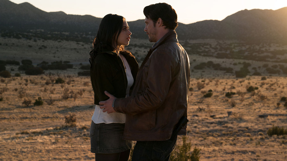 Roswell, New Mexico -Pilot-Jeanine Mason- Nathan Parsons-The CW Publicity-H 2018