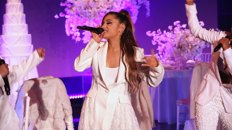 The Ellen DeGeneres Show - Ariana Grande - Publicity-H 2018