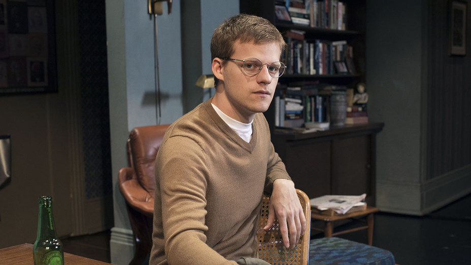 The Waverly Gallery Production Still Lucas Hedges - Publicity - H 2018