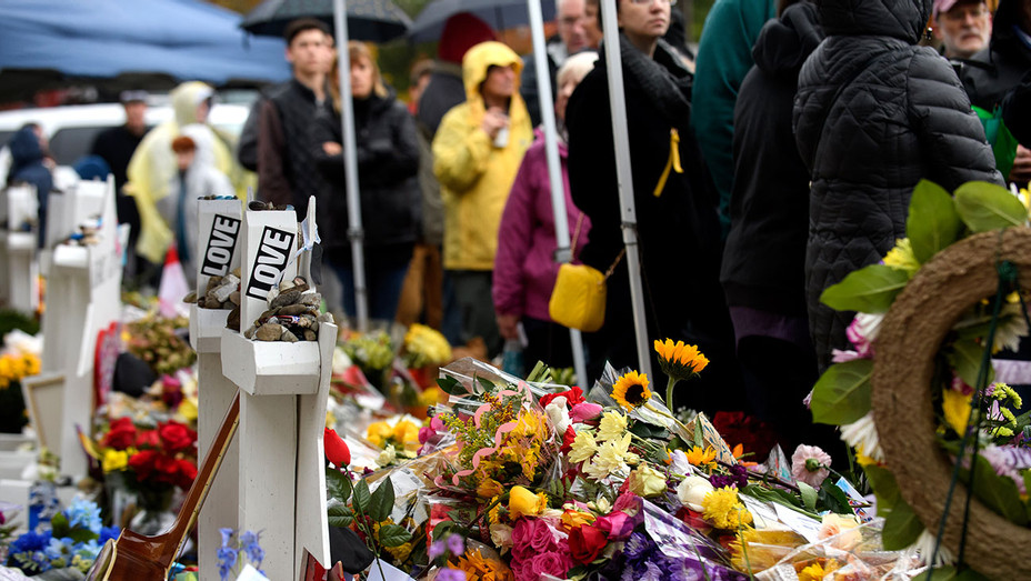 Tree of Life Synagogue-Memorial-Getty-H 2018