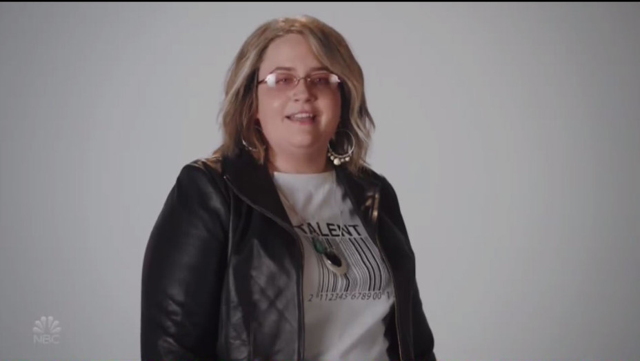 Aidy Bryant as Roseanne SNL - Publicity - H 2018