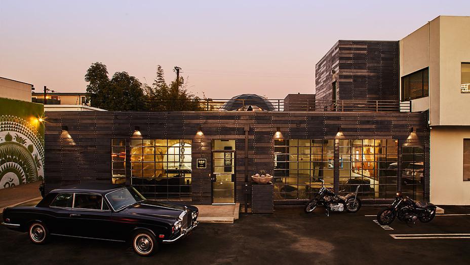 Exterior shot of of the Hoorsenbuhs Atelier-Publicity-H 2018