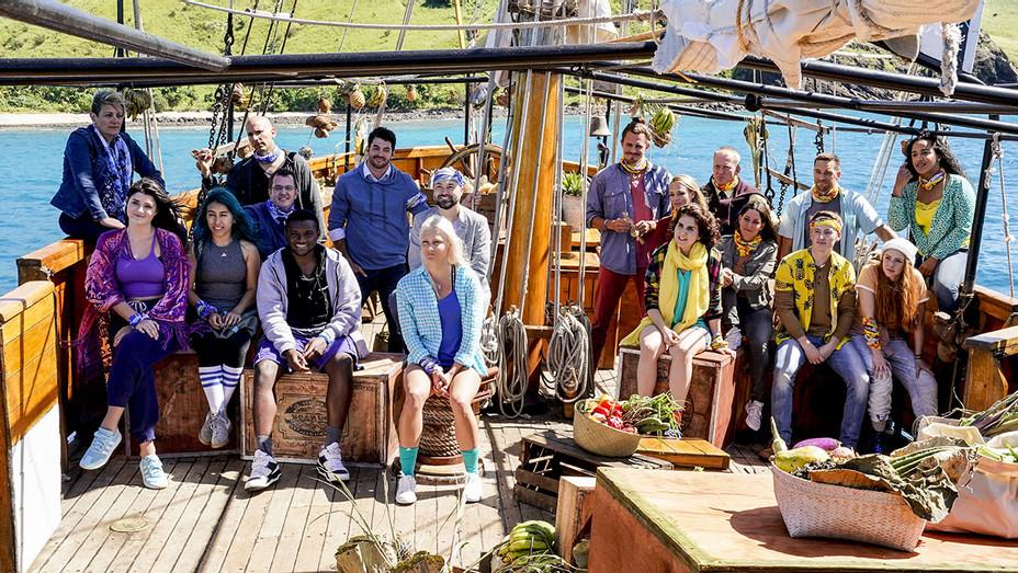 The full cast competes on SURVIVOR: Edge of Extinction - Publicity -H 2019