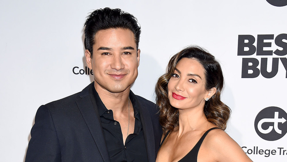 Mario Lopez and Courtney Laine Mazza - Getty - H 2019