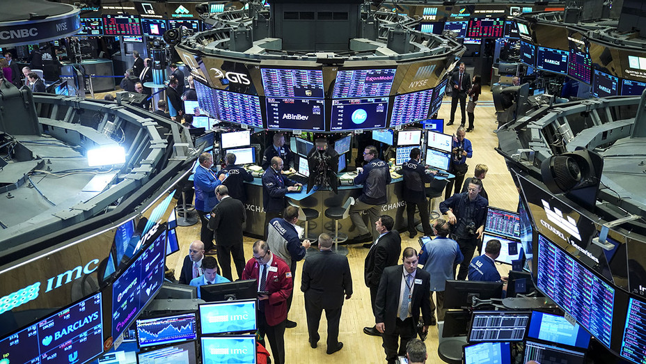 Markets Open For Trading For First Time In 2019-Getty-H 2019