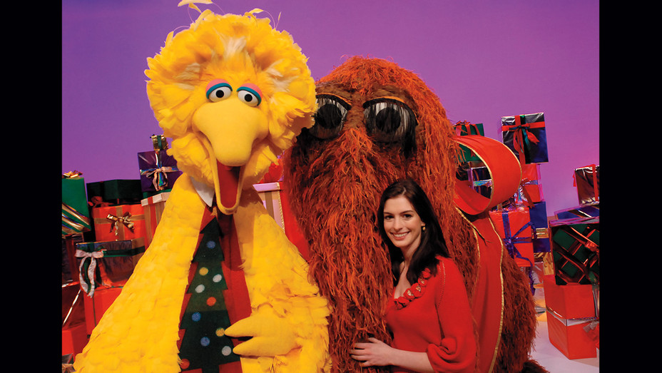 Anne Hathaway, with Big Bird and Mr. Snuffleupagus in 2007-Publicity-H 2019
