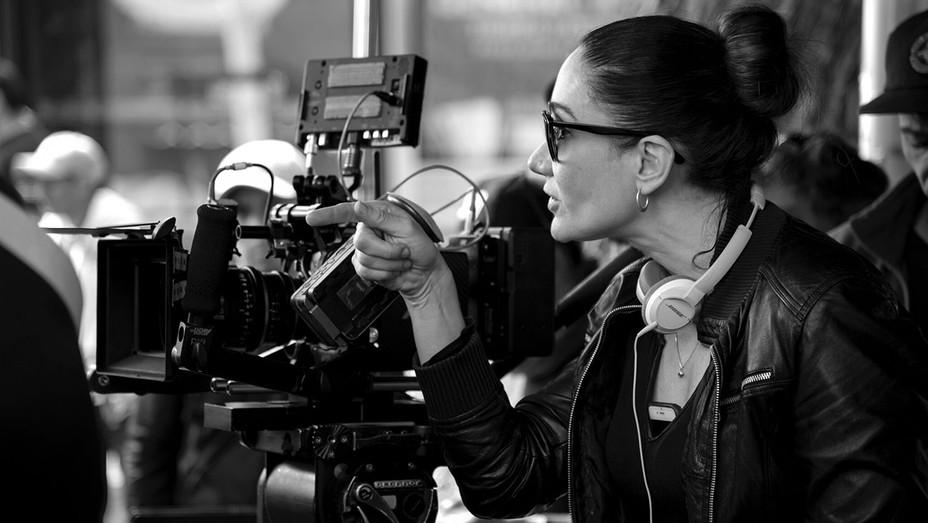 Issa Lopez on set a- Publicity -H 2019