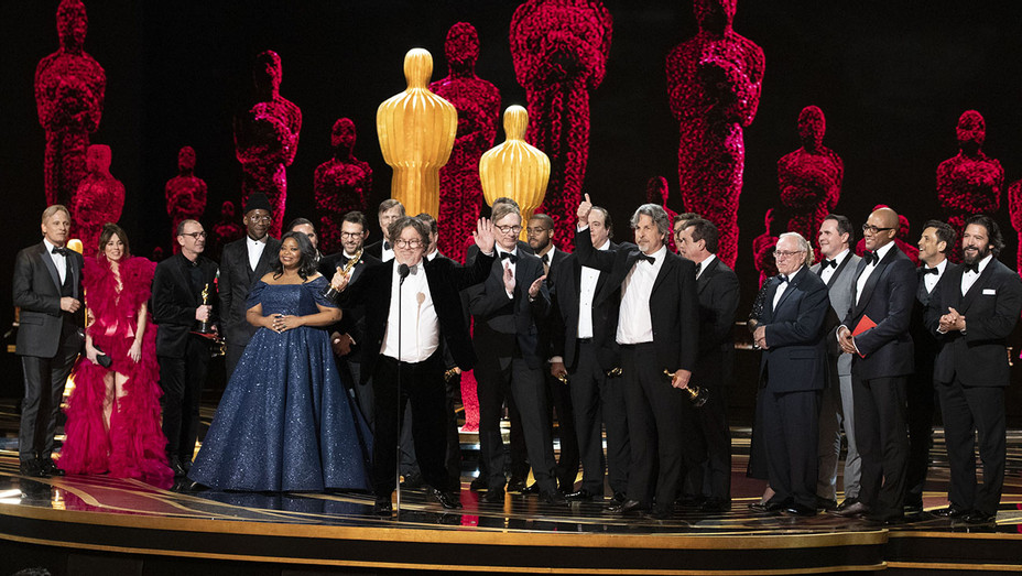 Best Picture Green Book Oscars_Onstage_1 - Publicity - H 2019