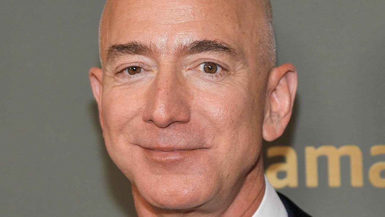 Jeff Bezos to Step Down as Amazon CEO