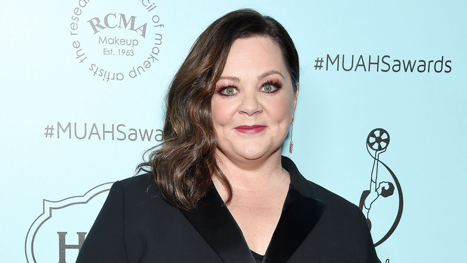 Melissa McCarthy at MUAHS Guild Awards - Getty - H 2019