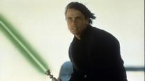 "Mark Hamill Calls 'Mandalorian' Luke Skywalker Cameo ""Greatest Gift"""
