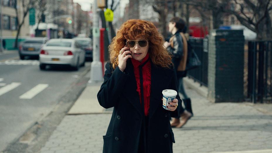 Russian Doll S01 Still 2 - Publicity - H 2019