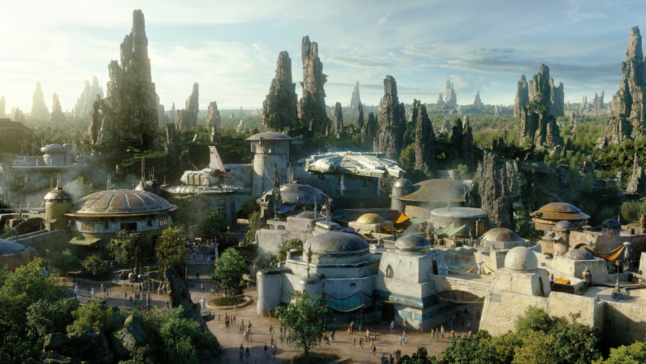 Star Wars Galaxy's Edge - H 2019