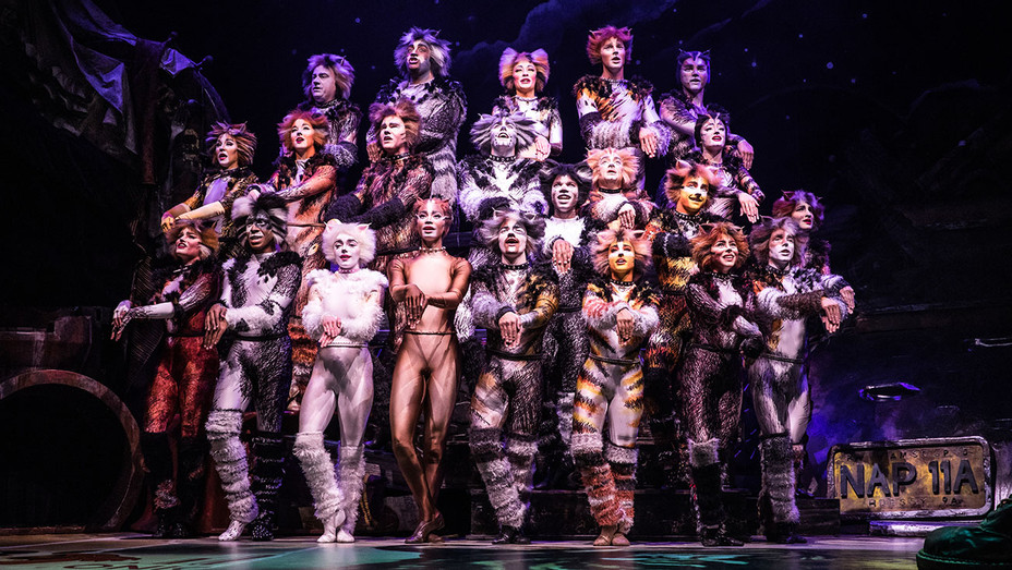 Cats Production Still 1 - The North American Tour Company - Publicity-H 2019