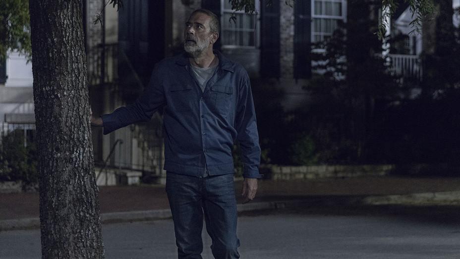 Walking Dead -Season 9, Episode 9 -  Jeffrey Dean Morgan 2- Publicity- H  2019