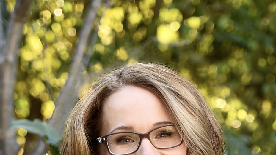 Dana Fox-Publicity-P 2019