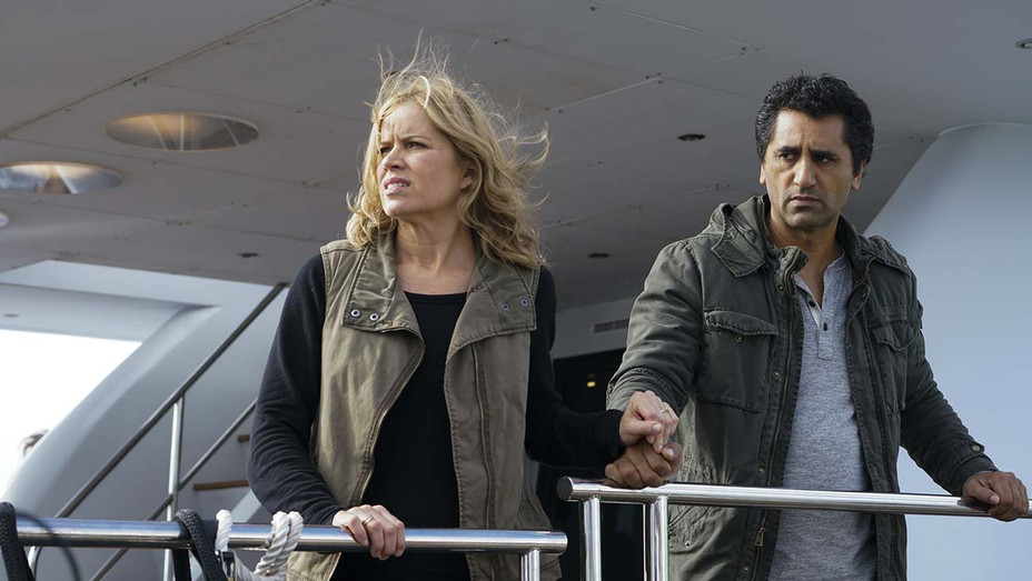 Fear the Walking Dead - Kim Dickens, Cliff Curtis - Photofest - H 2019