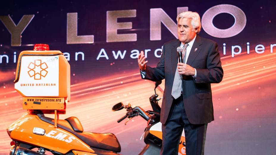 Leno arriving on stage with the ambucycle - Mor Gabay - Publicity-H  2019