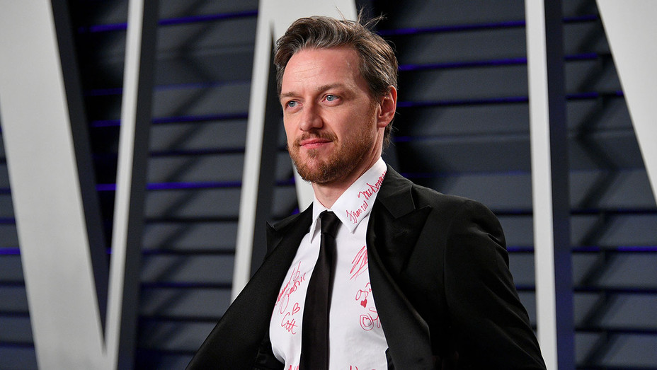 James McAvoy attends the 2019 Vanity Fair Oscar Party-Getty-H 2019