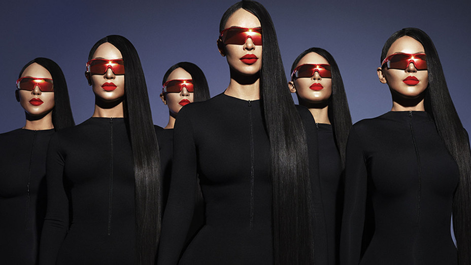 Kim Kardashian West & Carolina Lemke sunglasses-Publicity-H 2019